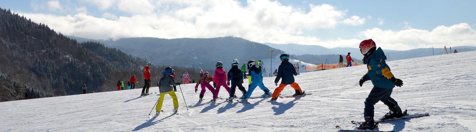 Wintersport schoolvakantie kinderen